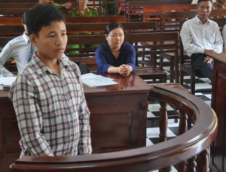 """Bị cáo tại tòa án Đà Nẵng mặc """"đồng phục""""? 9"""