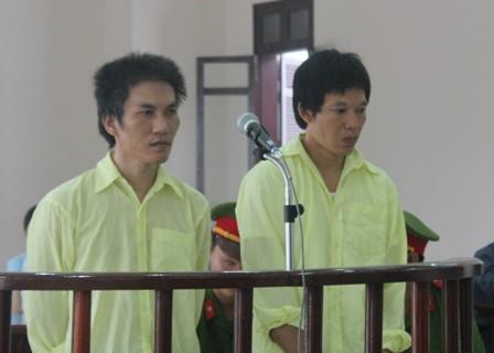 """Bị cáo tại tòa án Đà Nẵng mặc """"đồng phục""""? 4"""