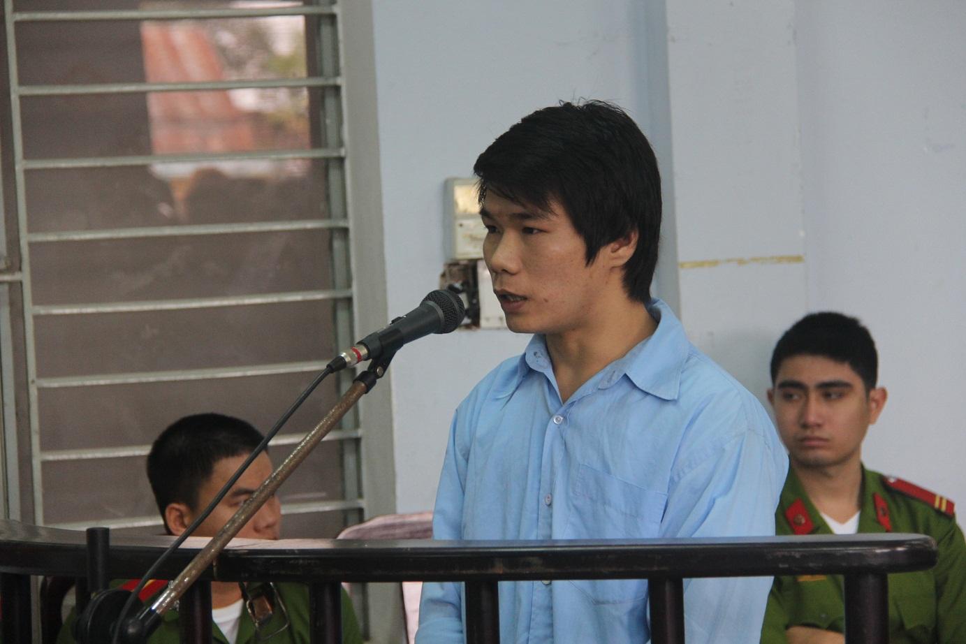 """Bị cáo tại tòa án Đà Nẵng mặc """"đồng phục""""? 5"""