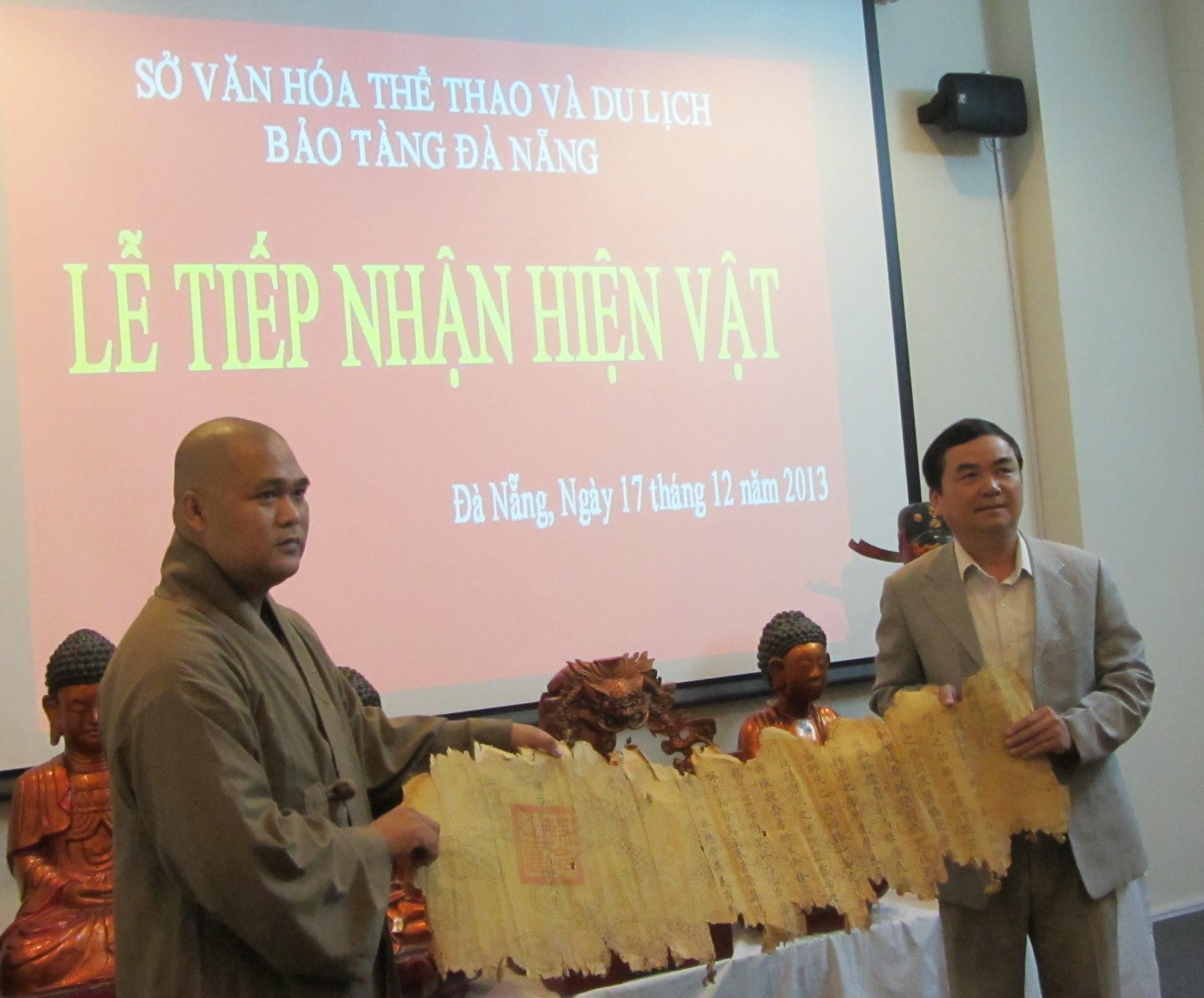 Hiến tặng nhiều hiện vật quý cho Bảo tàng Đà Nẵng 1