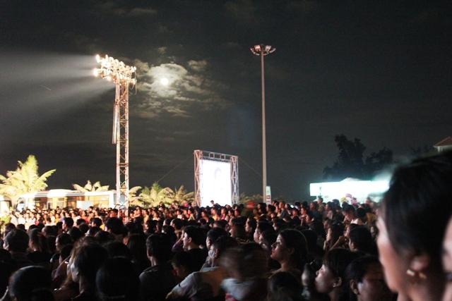 Hồ Ngọc Hà không về quê biểu diễn 3