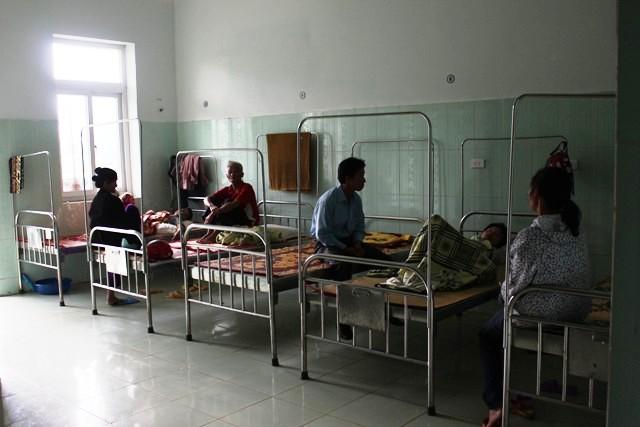 Bệnh viện Đa khoa Minh Hóa: Tan hoang sau bão lũ 4