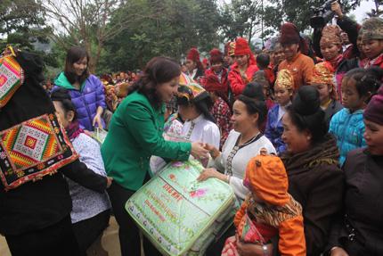 """Dược sĩ Lê Thị Bình: """"Gia đình mới là niềm đam mê lớn nhất"""" 5"""
