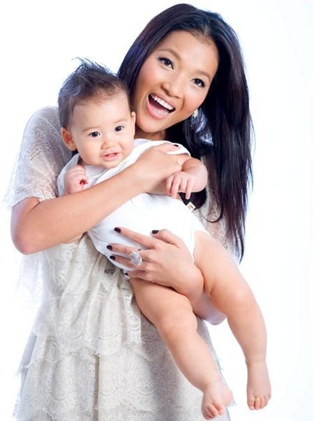 Vẻ đẹp lạ của các em bé con lai nhà sao Việt 15