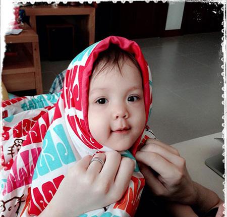 Vẻ đẹp lạ của các em bé con lai nhà sao Việt 3