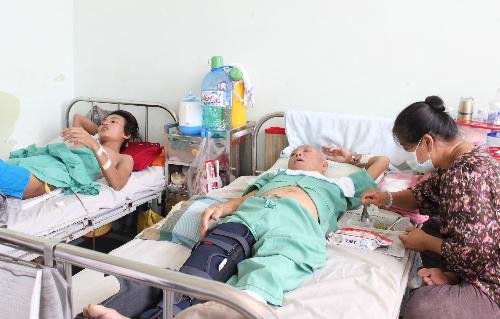 Bệnh nhân điều trị tại Bệnh viện Nhân dân 115. Ảnh:Lê Phương.