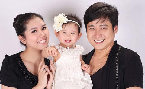 Cô con gái thừa hưởng nét đẹp của cả bố và mẹ.