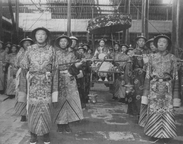 Ly ky chuyen phong the tu tre toi gia cua Tu Hy Thai hau-Hinh-6