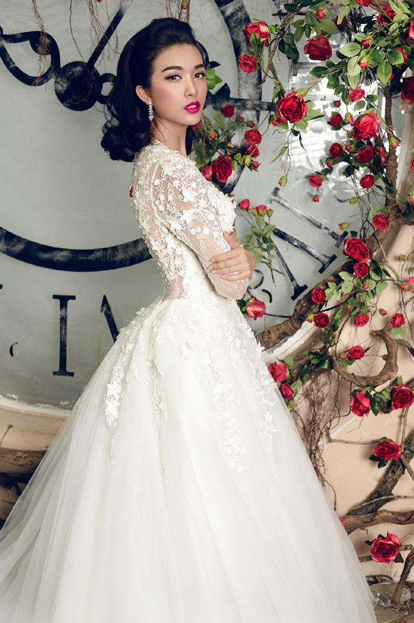 Để dự thi Hoa hậu Hoàn vũ Việt Nam 2015, Lệ Hằng cũng đã phải bỏ mộtcuộc thi người mẫu quốc tế tại Ý.