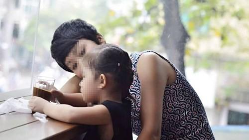 Hồng Minh và bé Khoai.