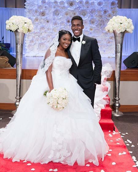 Cô dâu hạnh phúc bên chú rể Timothy Bowman, người khẳng định vẫn còn là trai tân cho tới ngày cưới. Ảnh: Clark Bailey Photography