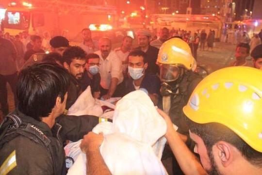 Hiện trường vụ hỏa hoạn ở Thánh địa Mecca hôm 17-9. Ảnh: RT