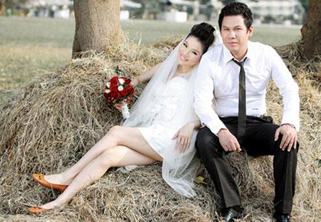 Sau thời gian im lặng, cuối cùng Lệ Quyên thừa nhận mình đang hạnh phúc bên bạn trai tên Đức Huy và cả 2 đã quyết định làm đám cưới vào đầu năm 2011.