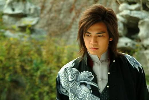 Chung Hán Lương từng gây ấn tượng khi vào vai Mộc Thịnh cương nghị, ấm áp trong Mai Khôi Giang Hồ.