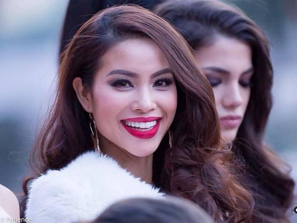 Hình ảnh Phạm Hương tại buổi đón Hoa hậu Hoàn vũ 2014 do truyền thông quốc tế ghi nhận