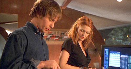 Sam Rockwell vào vai ông trùm công nghệ Eric Knox trong phim.