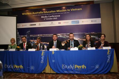 Bộ trưởng Giáo dục Đào Tạo Tiểu Bang Tây Úc có chuyến thăm Việt Nam và công bố các suất học bổng cho học sinh, sinh viên Việt Nam.
