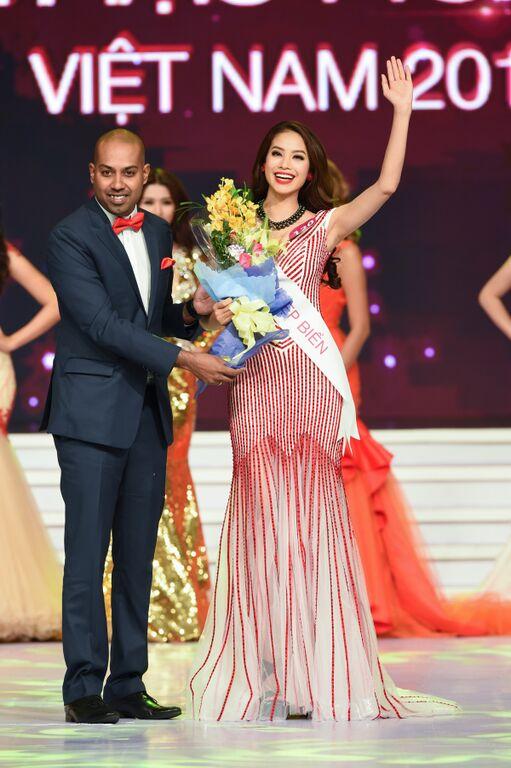 Phạm Hương còn giành giải phụ quan trọng của cuộc thi là Người đẹp biển