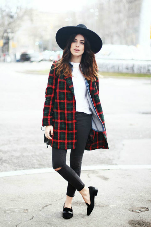 Plaid coat - kiểu khoác len kẻ vừa nhẹ nhàng vừa cá tính sẽ giúp các bạn gái trở nên nổi bật trong mùa thu này