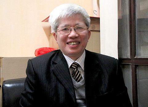 GS.TS. Nguyễn Đình Cử.