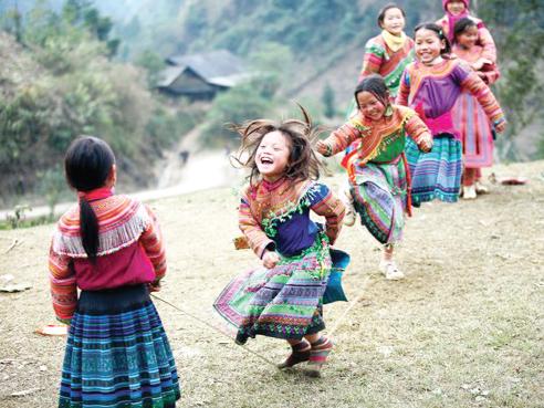 Việt Nam đã có nhiều nỗ lực trong việc tăng cường bình đẳng giới, nâng cao vị thế trẻ em gái và phụ nữ. Ảnh: P.V