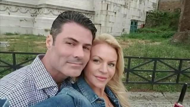 Royce Teets và Terri Lynn Cooldge trong một ảnh trên mạng xã hội của nạn nhân. Ảnh:NBC.