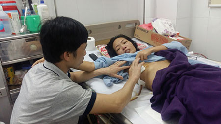 Căn nhà mơ ước được Chín làm bằng tre để tặng Phương vào năm 2006 khi Phương đang chống chọi với bệnh u tủy.