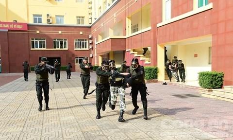 Lực lượng Cảnh vệ diễn tập các phương án bảo vệ trước chuyến thăm của Tổng thống Mỹ.
