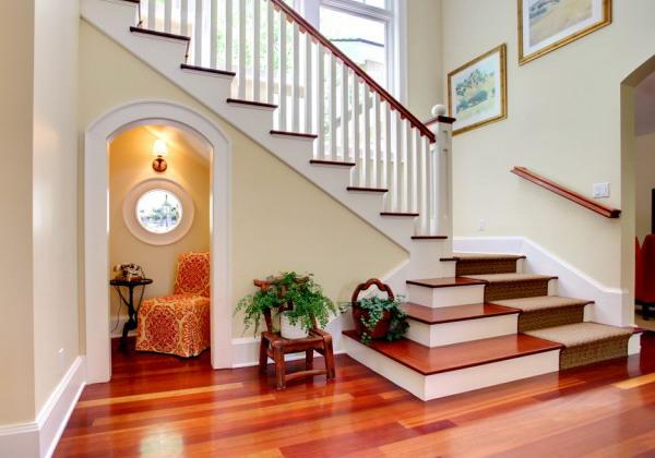 Phòng riêng của con bạn không được đặt đối diện thẳng với nhà vệ sinh hoặc cầu thang