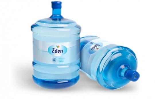 Nước đóng chai của công ty Eden Springs. Ảnh: Wikimedia Commons
