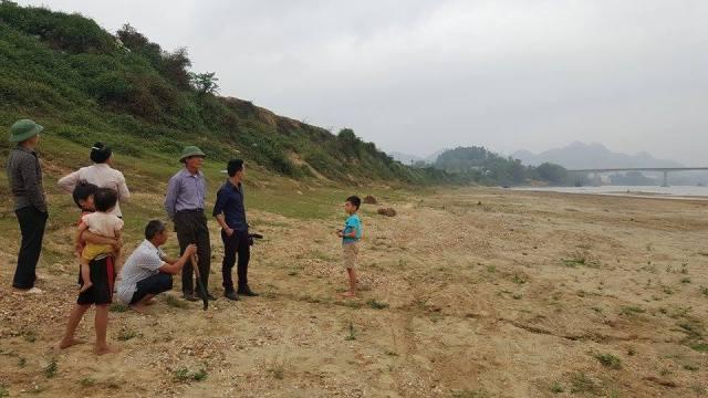 Diện tích lớn đất nông nghiệp của người dân xã Vĩnh Lợi đã bị sạt lở. Ảnh: Cao Tuân