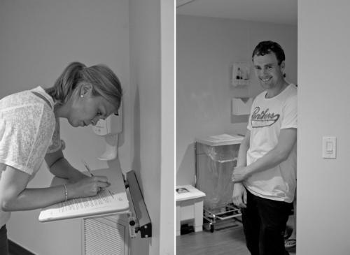 Cặp vợ chồng này đã bay từ Na Uy tới Canada để chứng kiến người mang thai hộ mình là chị Amy sinh bé gái, Julie.