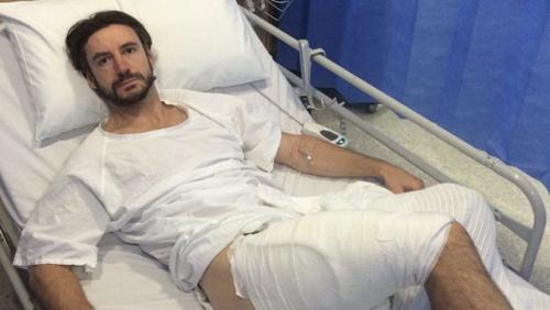 Anh Clear nằm điều trị tại bệnh viện