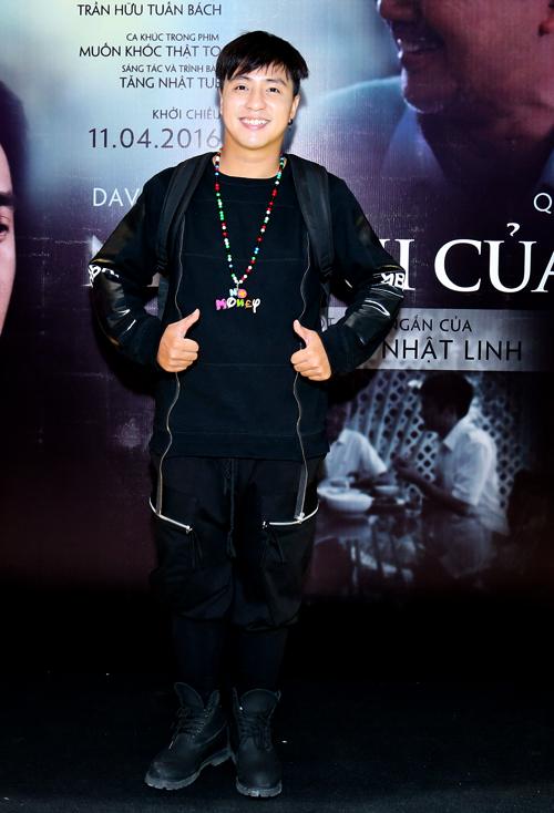 Ca sĩ - nhạc sĩ Tăng Nhật Tuệ là người sáng tác và thể hiện ca khúc nhạc phim Muốn khóc thật to.
