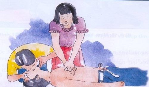 Trong nhiều trường hợp gặp người bị thương, việc sơ cứu ban đầu quan trọng hơn là việc bế xốc nạn nhân đi cấp cứu. Tranh minh họa.