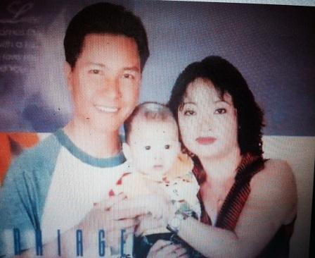 Nghệ sĩ Trà My cùng chồng và con.
