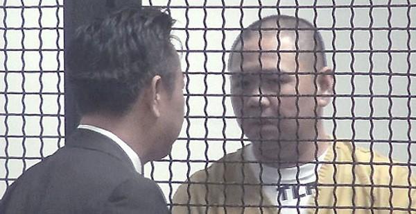 Minh Béo và luật sư Đỗ Phủ trong phiên tòa đầu tiên. Ảnh: chụp từ màn hình