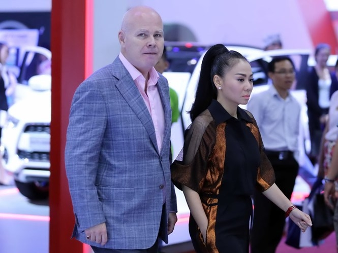 Vợ chồng ca sĩ Thu Minh