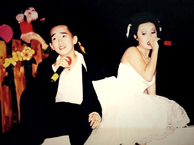 Sau khi Nhật Hào sang Mỹ định cư. Minh Thuận hoạt động độc lập. Minh Thuận song ca cùng Y Phụng trong chương trình Duyên dáng Việt Nam 6 ca khúc Con gái bây giờ. Đây cũng là giai đoạn sự nghiệp ca hát của anh thăng hoa nhất.