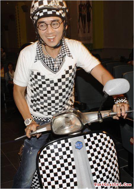 Trong sự nghiệp diễn viên, Minh Thuận được khán giả đặc biệt yêu mến bởi vai Lâm caro trong Cô gái xấu xí