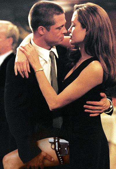 Năm 2004, Brad Pitt và Angelina Jolie gặp gỡ trên phim trường Mr. & Mrs. Smith. Theo chính Angelina tiết lộ, họ đã phải lòng nhau trong thời gian quay bộ phim này. Lúc này, Brad vẫn là chồng của Jennifer Aniston, còn Angelina đã hoàn tất ly hôn người chồng cũ Billy Bob Thornton.
