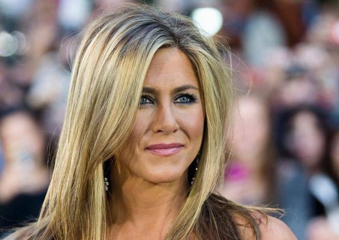 Tuy mãn nguyện với thông tin trên nhưng Jennifer Aniston vẫn mong Brad Pitt nhanh chóng tìm lại được hạnh phúc