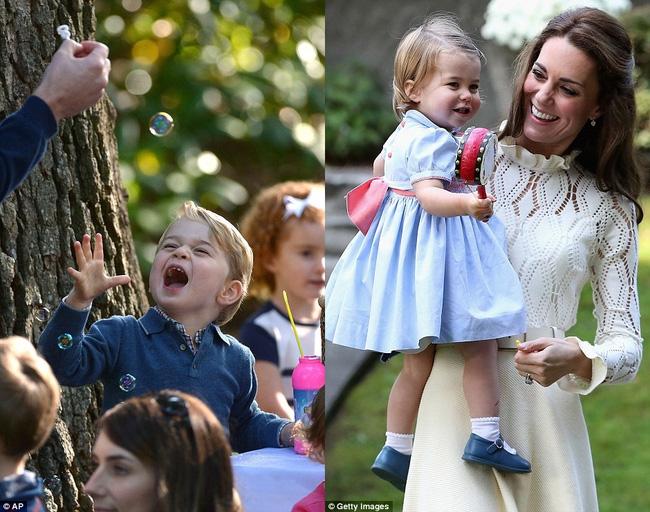 Hình ảnh Hoàng tử và Công chúa chơi đùa trong chuyến thăm Canada.