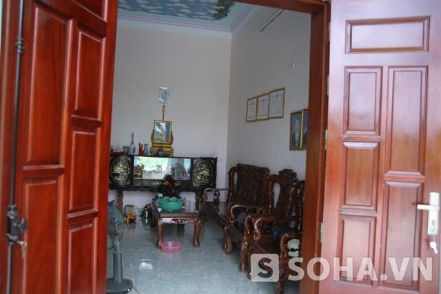 Hình ảnh bên trong ngôi nhà bố mẹ và Lệ Rơi đang sinh sống.