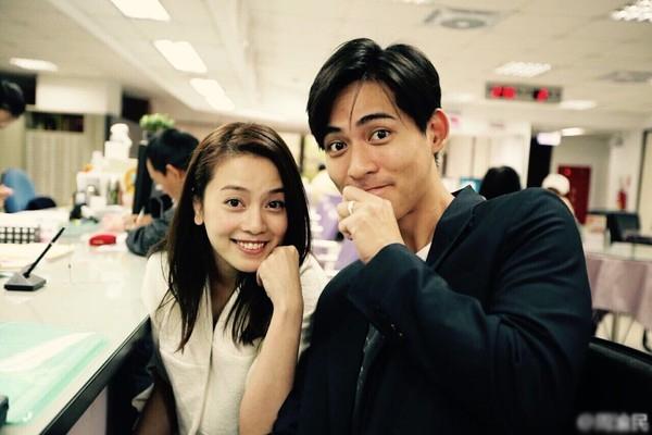 Châu Du Dân và diễn viên Dụ Hồng Uyên nên duyên vợ chồng bằng một đám cưới kín đáo, giản dị, và theo một số trang tin, thời điểm lấy nhau mỹ nhân họ Dụ đã có tin vui. Cặp đôi vừa chào đón con gái đầu lòng chào đời tháng 8 vừa qua.