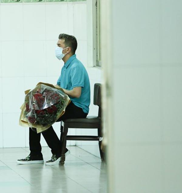 Ngày hôm qua (07/09) Đàm Vĩnh Hưng đã âm thầm vào viện để thăm Minh Thuận.