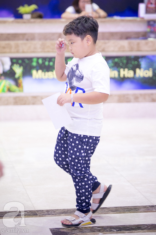 Cậu bé cũng trưởng thành hơn sau những thử thách, khó khăn vất vả mà chương trình đặt ra cho mỗi cặp bố con.