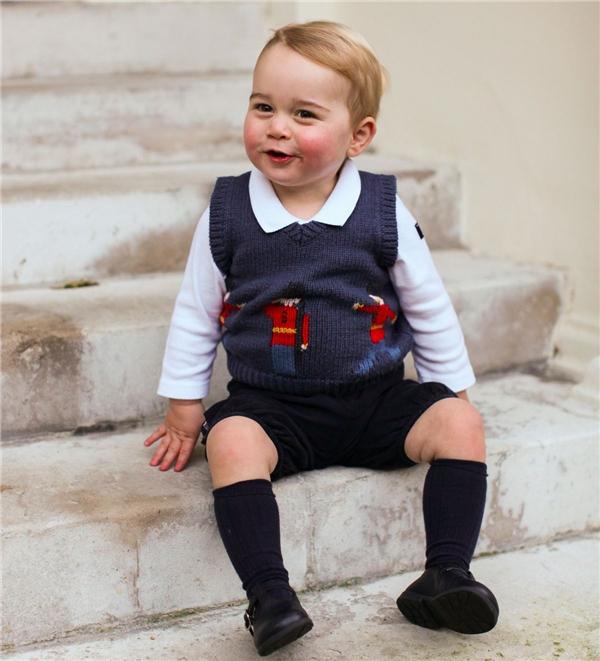 Mọi thứ Hoàng tử bé mặc đều có thể trở thành xu hướng.