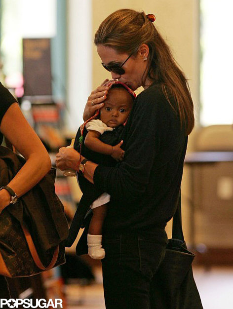 Tháng 7/2005, Angelina nhận nuôi bé gái có tên Zahara từ nước Ethiopia ở châu Phi.