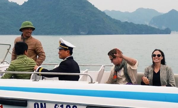 Kỳ nghỉ lãng mạn cuối cùng của vợ chồng Jolie-Pitt là chuyến du lịch bí mật đến Việt Nam vào tháng 12 năm ngoái. Cặp đôi tận hưởng khoảng thời gian riêng tư bên nhau trong khi các con ở Campuchia. Angelina và Brad tới thăm vịnh Hạ Long và phố cổ Hà Nội trong 3 ngày.